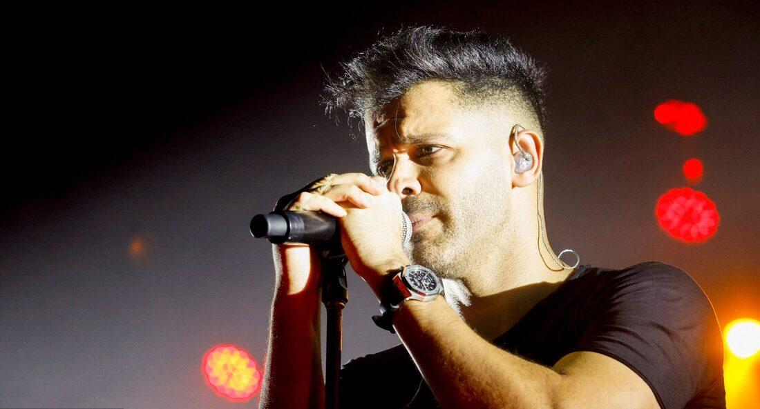 انتقاد تند سیروان خسروی از مسئولان جشنواره موسیقی فجر/ نوری که چشم آقای خواننده را زد!