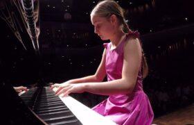 دختر ۱۱ سالهای که با موتزارت مقایسه میشود