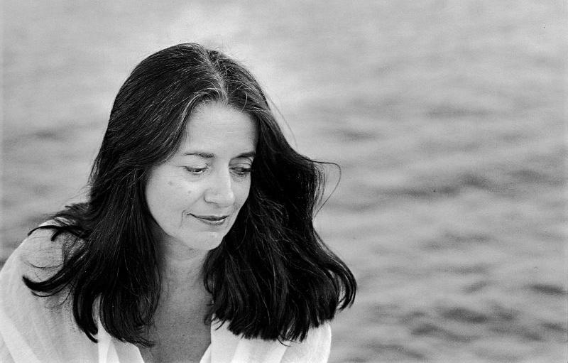 جایزه یک عمر دستاورد هنری به النی کارایندرو